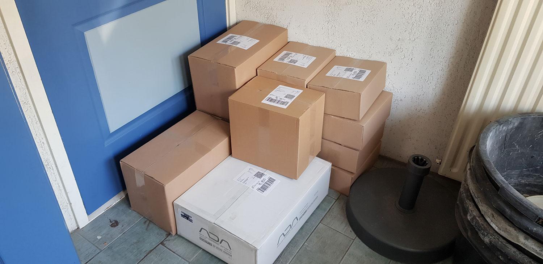 Ondertussen staan de eerste bestellingen klaar om te worden opgehaald aan het nieuwe adres.