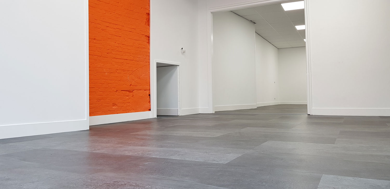 met nieuwe vloer is de eerste fase afgerond